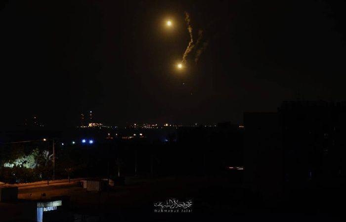 فلسطين   جيش الاحتلال يعتقل شابين على حدود قطاع غزة
