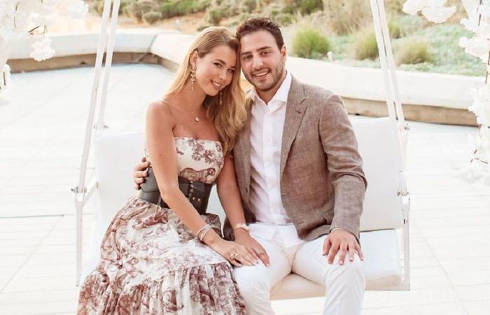 مدوِّنة لبنانية مسلمة تتزوّج من رجل أعمال مسيحيّ بحفل زفاف ضخم.. دخلت على تكبيرات آذان وتراتيل!