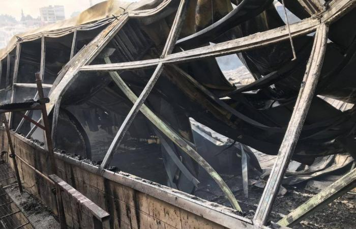 بالصور: حريق داخل نادي رياضي في بقنايا-المتن