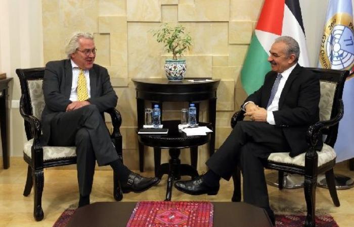 فلسطين   اشتية يبحث مع المبعوث النرويجي أجندة مؤتمر المانحين