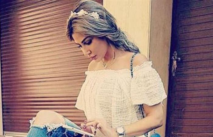 إنتقادات لاذعة لممثلة سورية بسبب جرأة فستانها.. هذا ما فعلته أمام الكاميرا (فيديو)