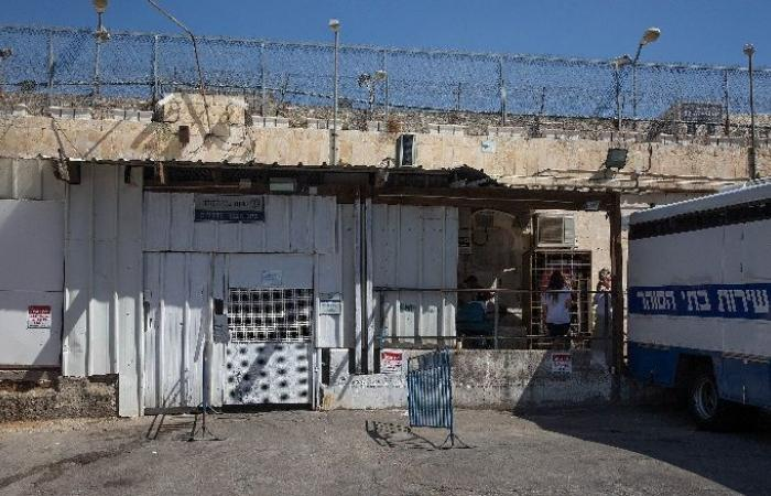 """فلسطين   22 أسيرًا بسجن """"ريمون"""" يشرعون بإضراب عن الطعام"""