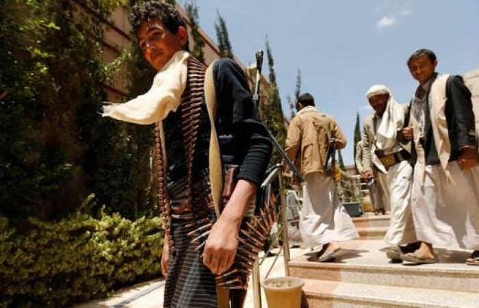 اليمن | جديد انتهاكات الحوثي.. دورات إجبارية لأمناء صنعاء