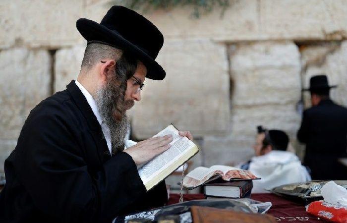 """فلسطين   حاخام : """"مُدمري ومُخربي الدين اليهودي""""يريدون جلب محرقة ثانية"""