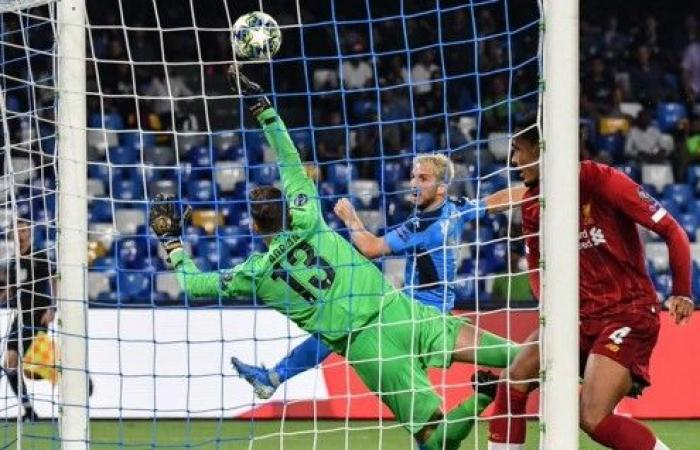 ليفربول يسقط أمام نابولي في بداية حملة الدفاع عن اللقب وسالزبورغ يسحق جينك بالستة