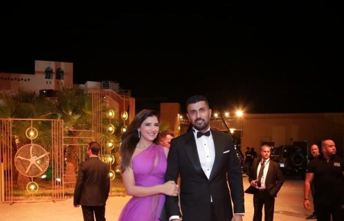 محمد سامي يتعرض للانتقاد بسبب إطلالة زوجته مي عمر في مهرجان الجونة (صور)