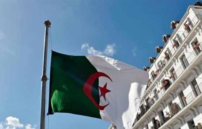 في الجزائر.. ضرائب ورسوم جديدة لزيادة الإيرادات في موازنة 2020