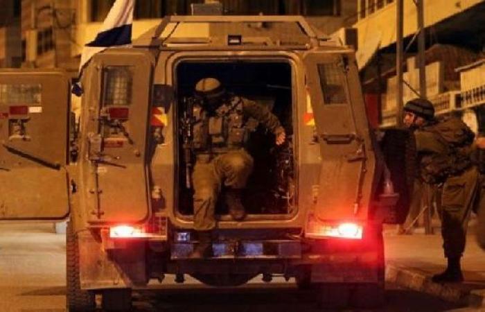 فلسطين   جيش الاحتلال يعتقل شاب قرب بيت فوريك شرق نابلس