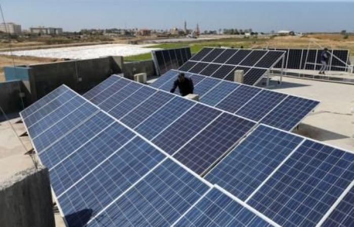 فلسطين   أبو الرب: خطة لتزويد المساجد والمؤسسات التابعة للأوقاف بالطاقة البديلة