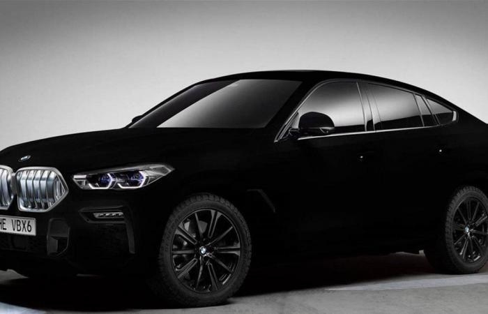 جديد 'بي أم دبليو'.. إليكم السيارة الأكثر سواداً في العالم