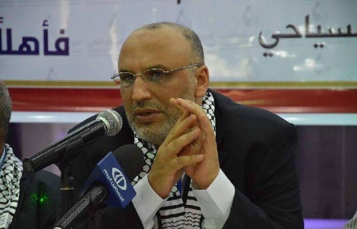 فلسطين   الحساينة يعلق على سحب جائزة للروائية شمسي بسبب دعمها للمقاطعة
