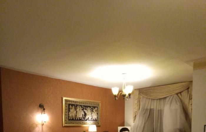 أرملةُ عبد الله محمود تعرضُ منزلها للبيع بسبب سارة نخلة.. ما القصّة؟