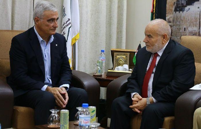فلسطين | المجلس التشريعي يستقبل رئيس بعثة الصليب الأحمر بغزة