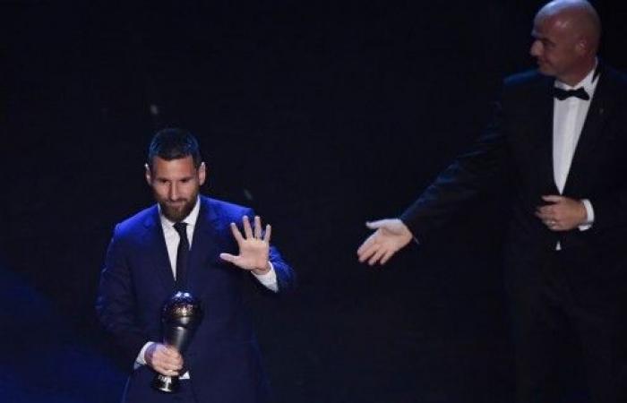 رسمياً -ميسي اللاعب الأفضل في العالم