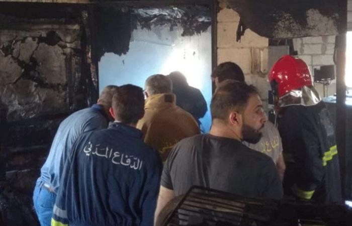 إصابة عاملين باختناق جراء حريق في معمل للفحم