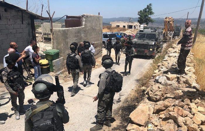 فلسطين | الاحتلال يخطر بهدم منزلين شرق بيت لحم