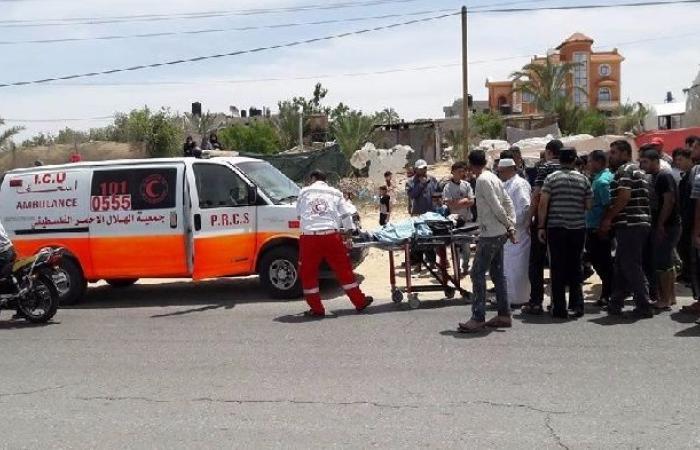 فلسطين   وفاة فتى دهسته جرافة قبل يومين في الخليل