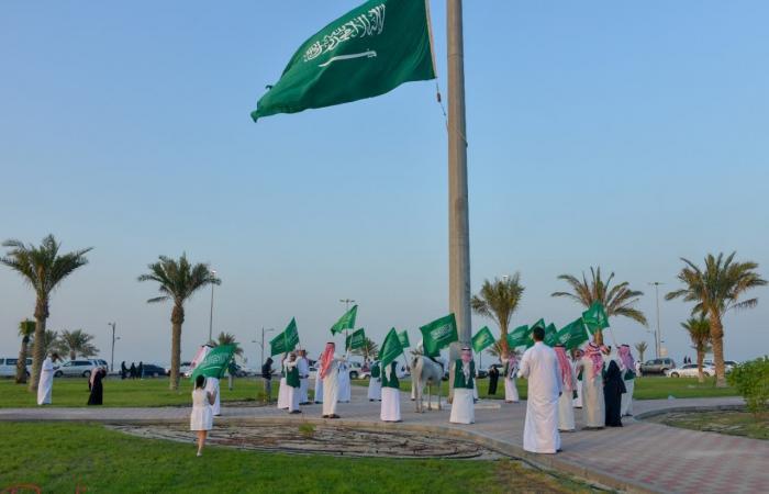 الخليح   بالصور.. القطيف تحتفل باليوم الوطني بأطول مسيرة دراجات