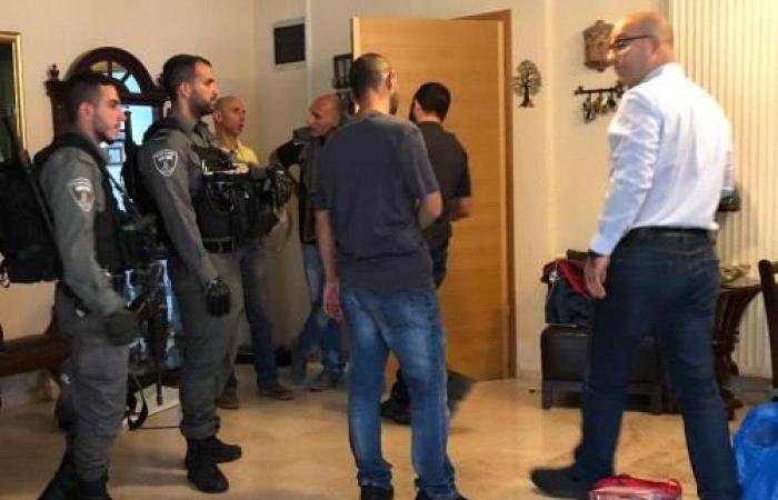 فلسطين | قوات الاحتلال تعتقل وزير شؤون القدس