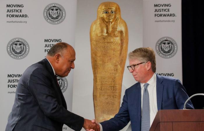 مصر | تابوت أثري وصل نيويورك بالخدعة.. والآن يعاد لمصر