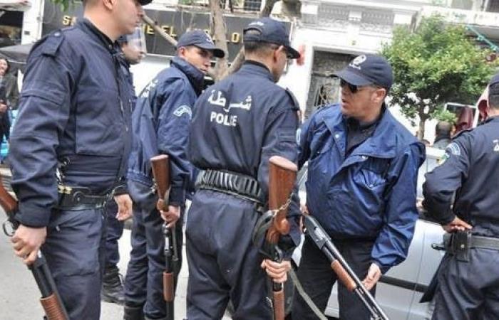 الجزائر.. الأمن يحتجز مصوراً وصحافياً في قناة العربية