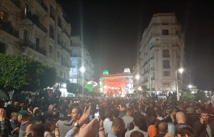 الجزائر..مظاهرات ليلية لإسقاط الانتخابات في ذكرى الثورة