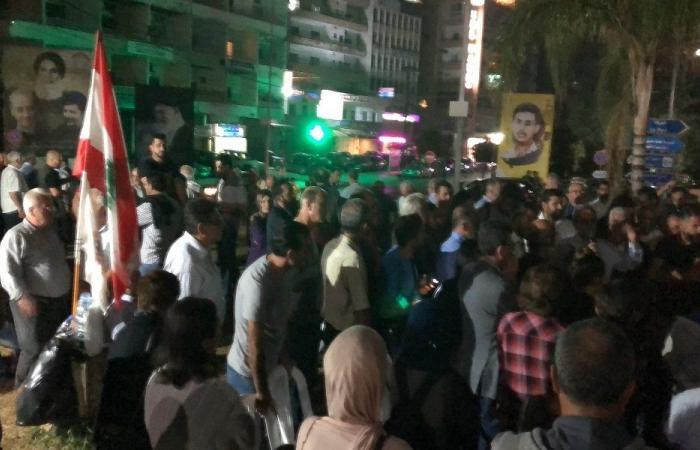 المحتجون في صور مصرّون على التغيير