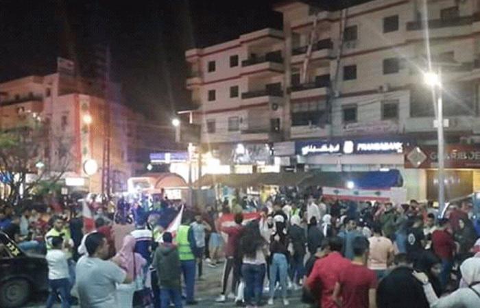 المحتجون في حلبا: الاعتصام مستمر حتى تحقيق المطالب