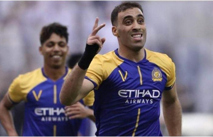 عبد الرزاق حمدالله يسبّب غضبًا عارمًا بسبب تصرّفه مع موظّفة سعوديّة!