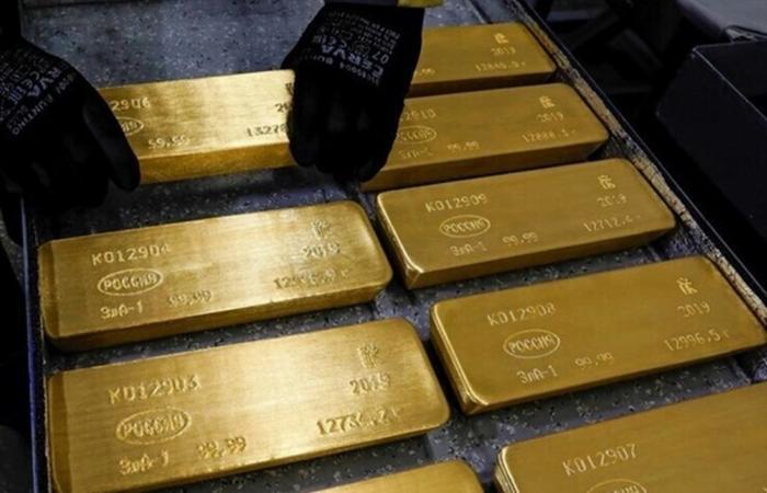 الذهب بصدد تسجيل أدنى انخفاض أسبوعي في عامين ونصف