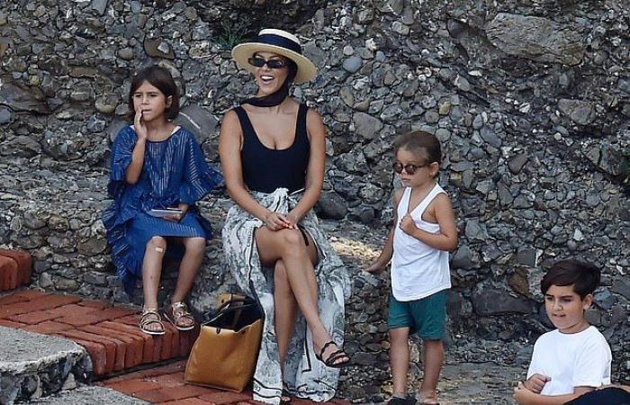 كورتني كارداشيان تنسحب من مسلسل عائلتها الشهير بعد 12 عام.. ما السبب؟