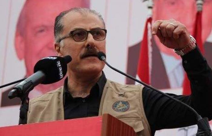 عبدالله لأسود: مشكلتكم مع الانتفاضة التي كفرت بكم وليس معنا!
