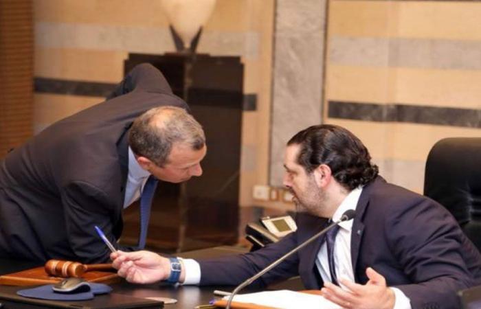 ضغوط على الحريري… وإصرار على التكنو – سياسية