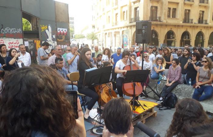 بالصور: الانتفاضة تجتاح لبنان في يومها الـ25