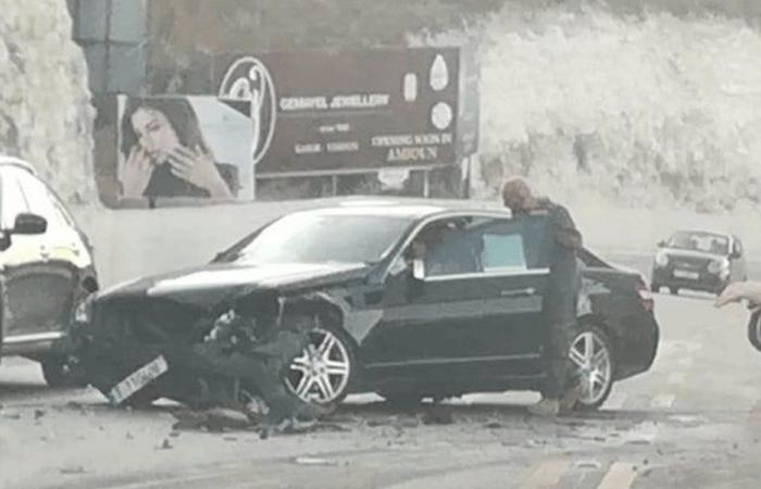 جريح في حادث سير على طريق عام كفرحزير