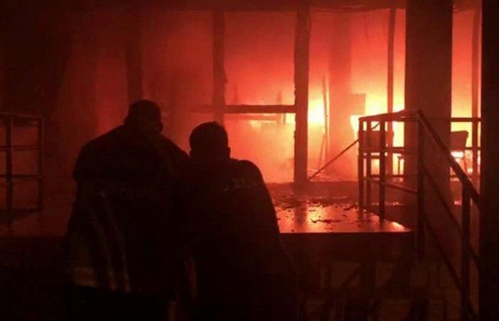 اندلاع حريق كبير بمركز أوجيرو في حمانا (فيديو)