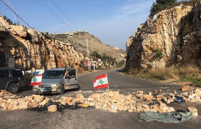 فتح عدد من الطرقات.. وتحركات احتجاجية في المناطق