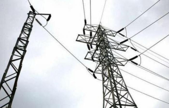 مصر | مصرع 4 مصريين سقط عليهم برج كهرباء بالجيزة