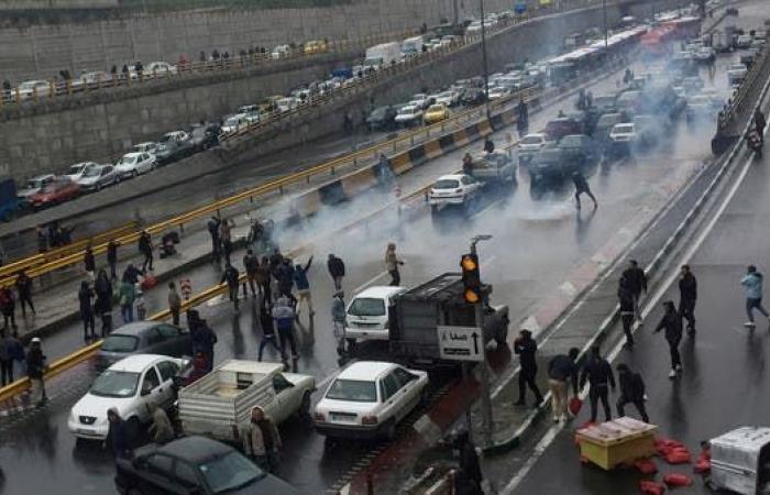 إيران | وكالة مهر: ألف معتقل في أعنف احتجاج إيراني