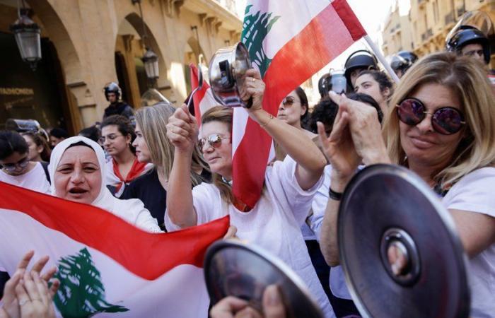 عاملون بمشروع الاستجابة للازمة السورية ناشدوا الافراج عن مستحقاتهم