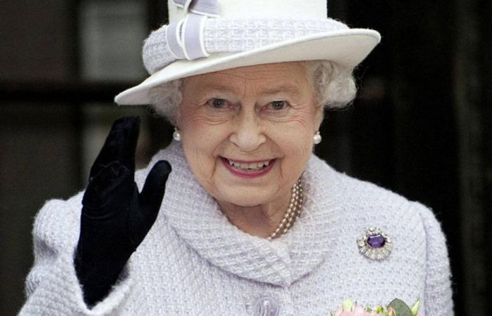 رسالة من الملكة إليزابيث إلى عون في ذكرى الاستقلال