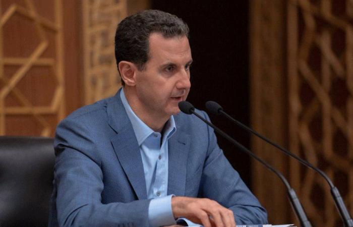 الأسد يصدر مرسومين تشريعيين يقضيان بزيادة الرواتب والأجور