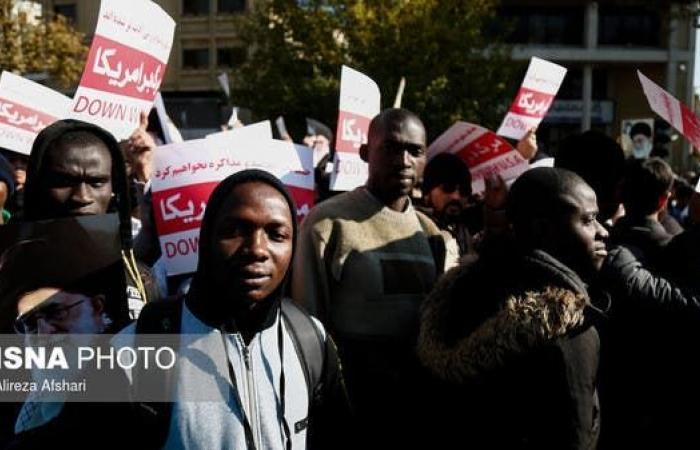 إيران | نظام إيران يسيّر مظاهرات موالية عمادها الباسيج وطلاب أفارقة