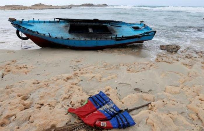 المياه تجرف جثث 6 مهاجرين على سواحل ليبيا.. وضبط 90 آخرين