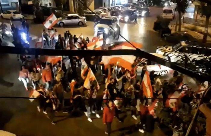 بالفيديو: مسيرة في عين الرمانة مؤيدة للثورة