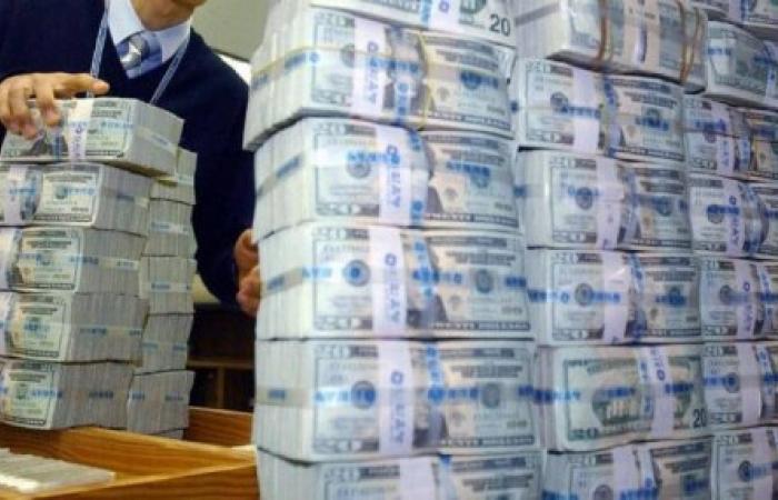 هكذا يتم تهريب الدولارات من لبنان إلى سوريا