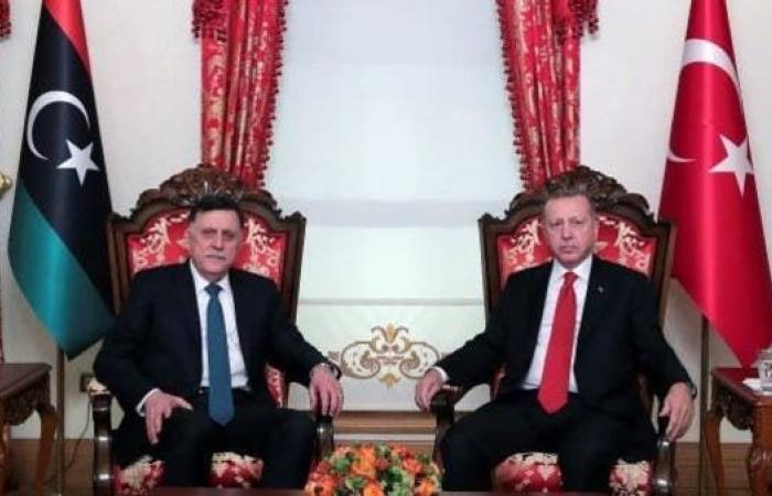 اليونان تهدد بطرد سفير ليبيا بسبب اتفاق تركيا والسراج