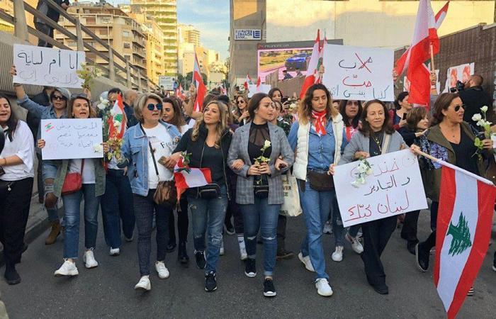 نساء لبنان لإسقاط «نظام الحرب الأهلية»