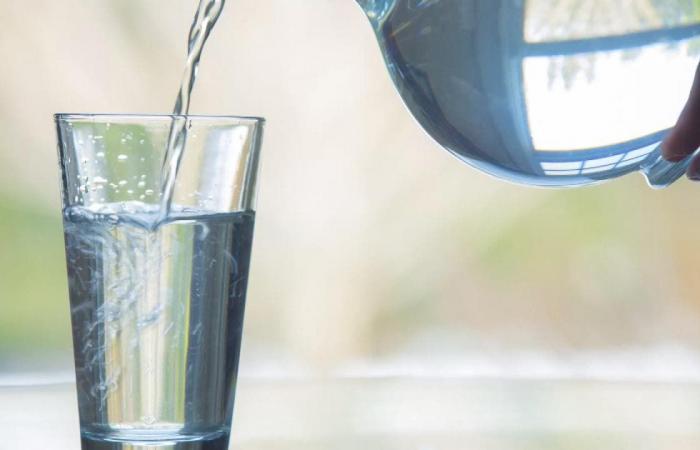 8 فوائد صحية لشرب الماء.. لكن ما الكمية المناسية؟