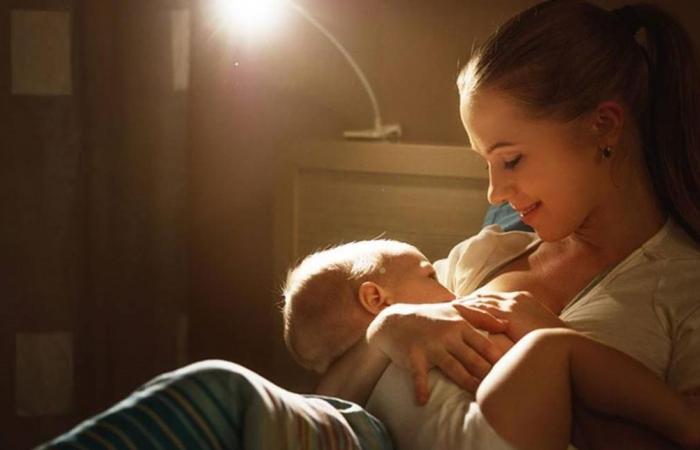 خطأ شائع ترتكبه الأمهات أثناء الرضاعة.. تجنبيه!